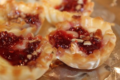 Brie bites with raspberry preserves. Mmm!